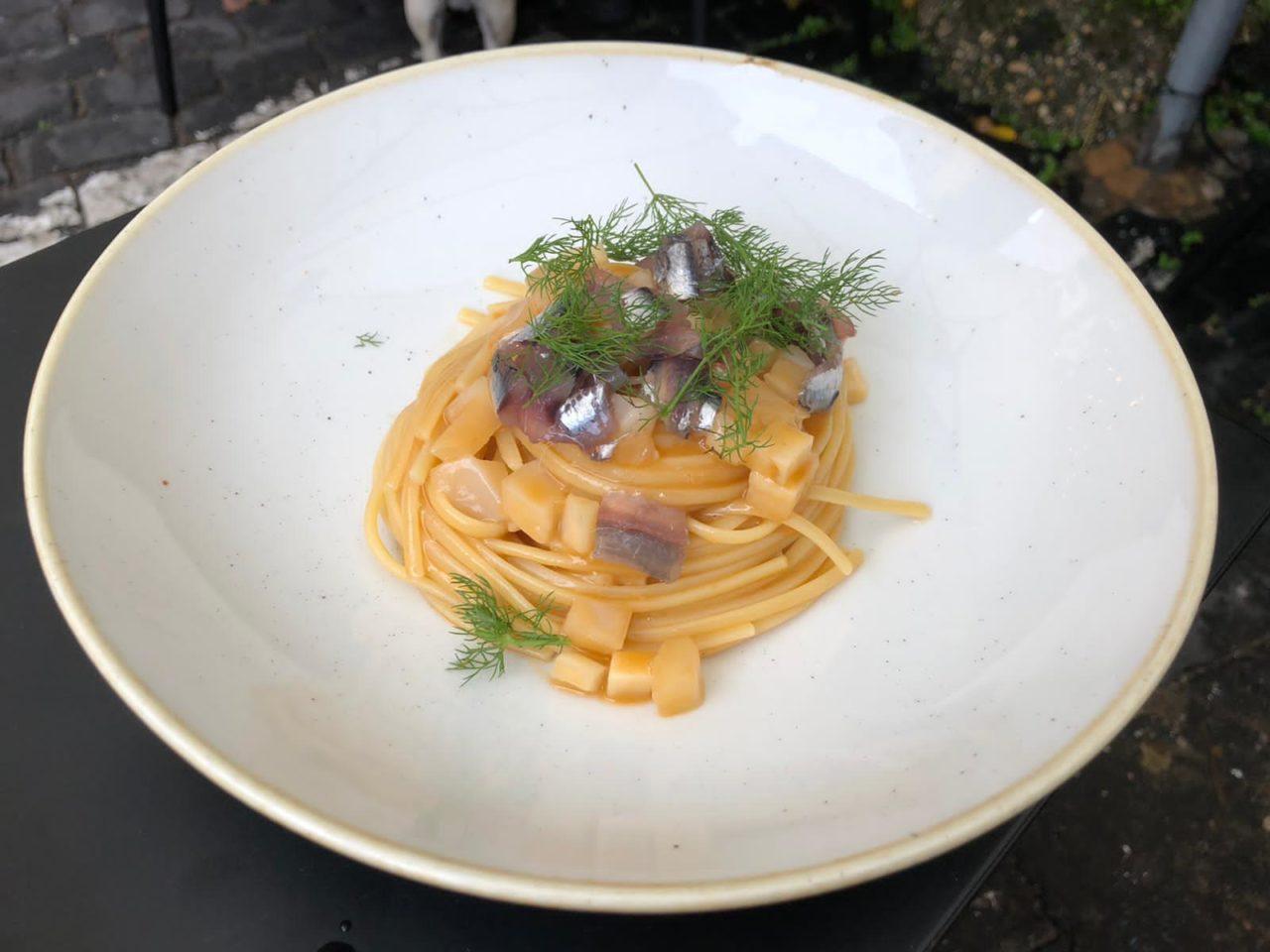linguine alici e finocchio Santo Trastevere ristorante Roma