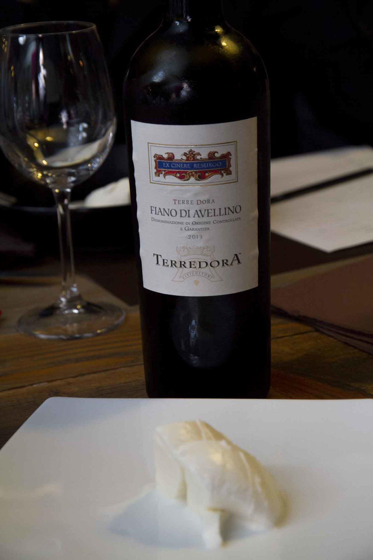vini e formaggi a pasta filata mozzarella