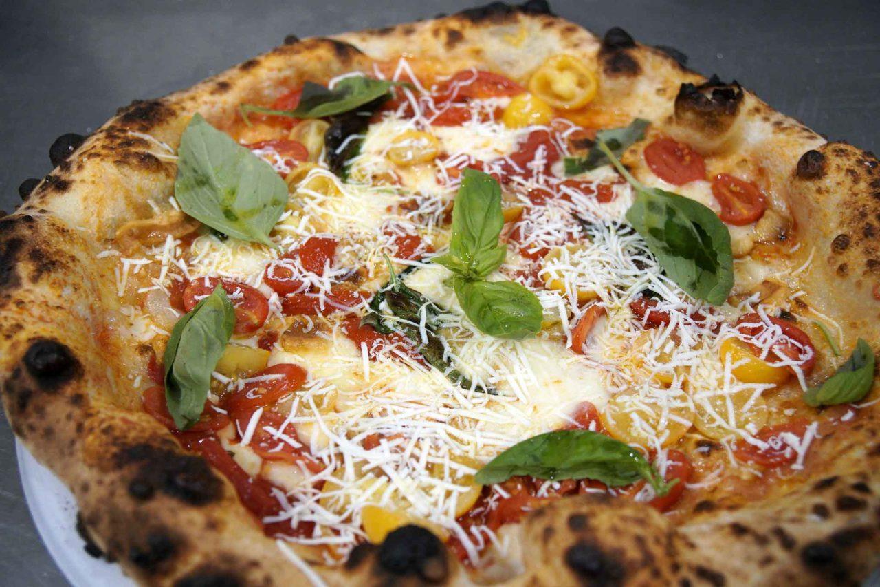 pizza tre pomodori ricetta