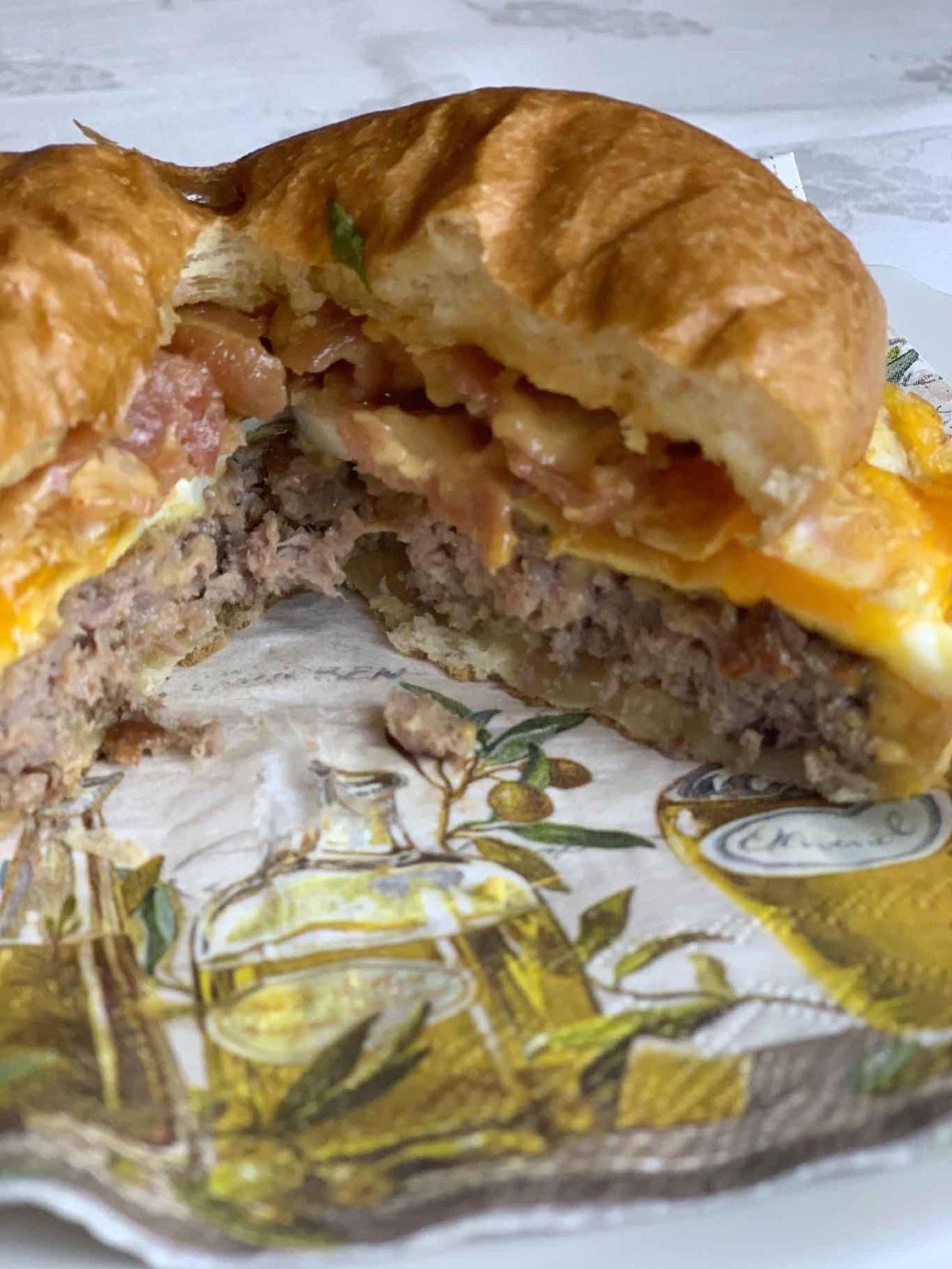 Emanuel Burger Bar Salerno hamburger uovo