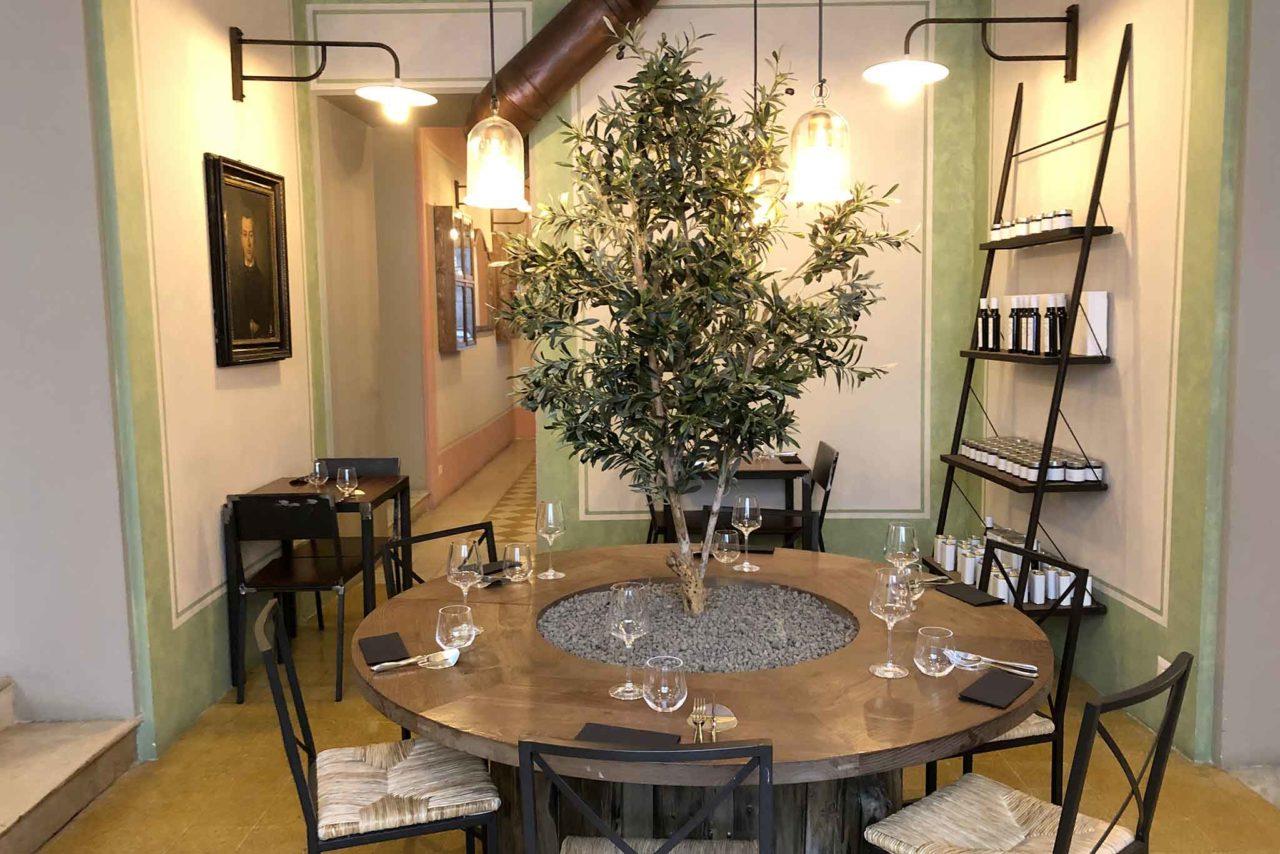 Mercato Plebiscito Roma tavolo