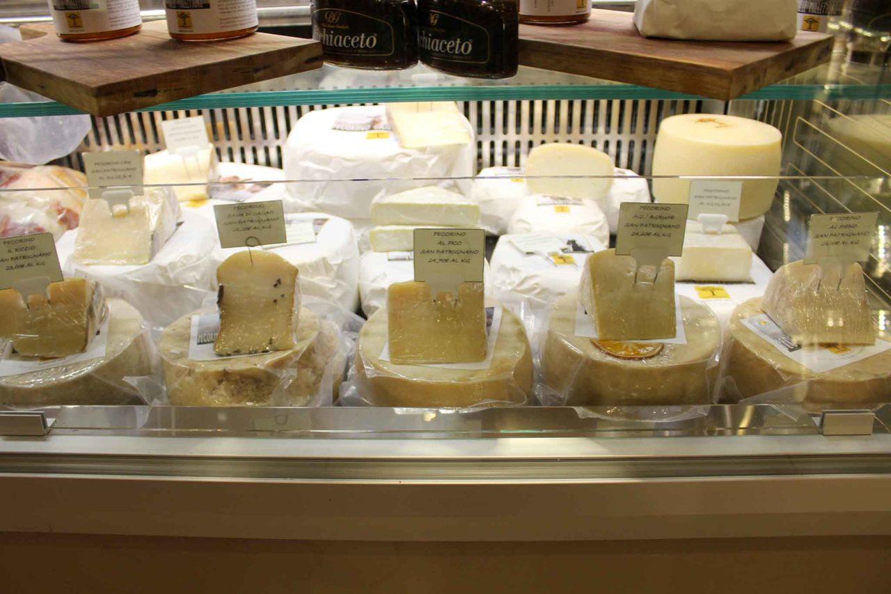 San Patrignano banco formaggi