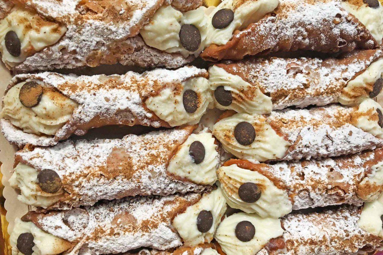 cannoli siciliani Caffè Battaglia