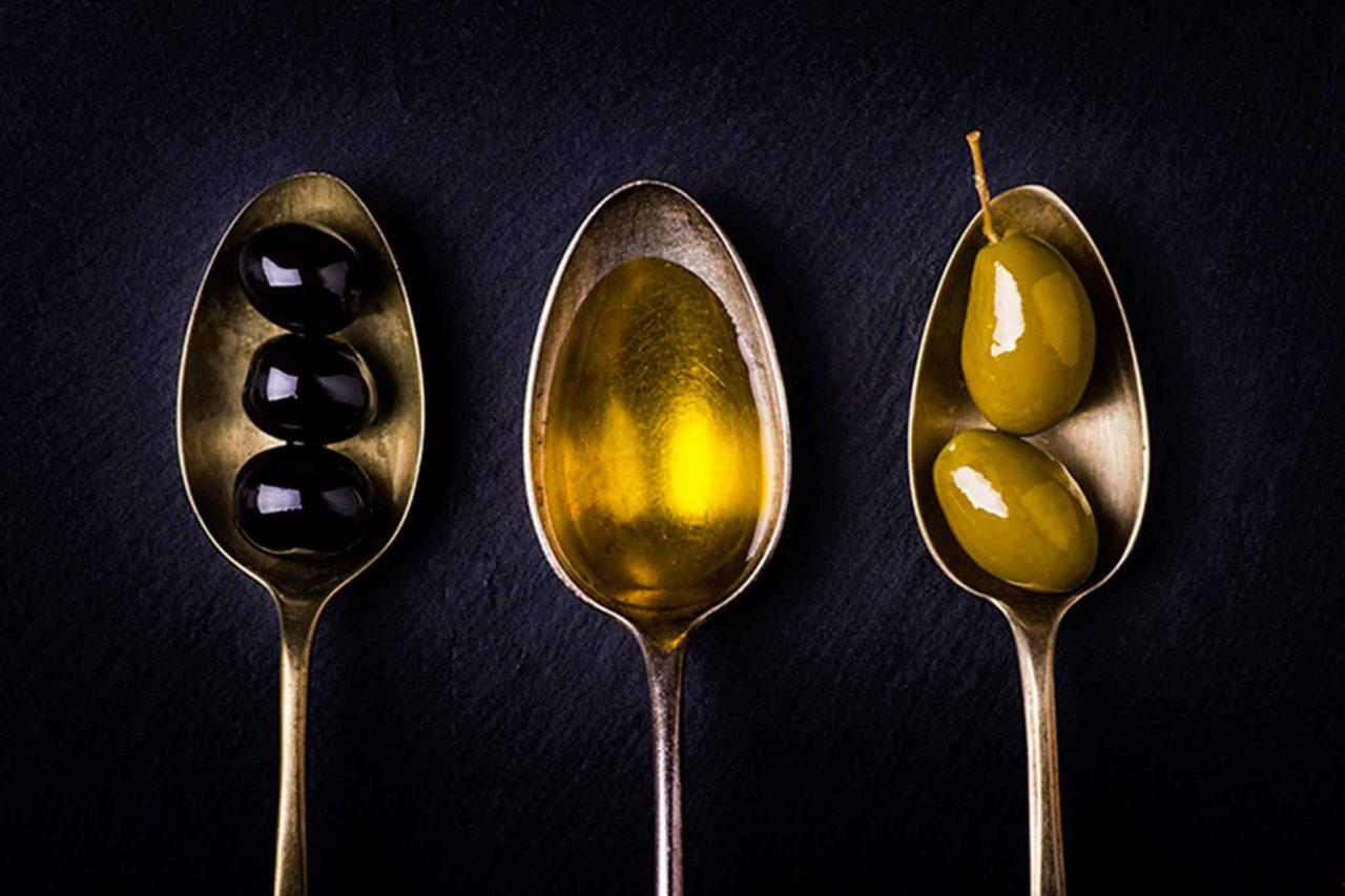olio extravergine di oliva e olive a extracuoca