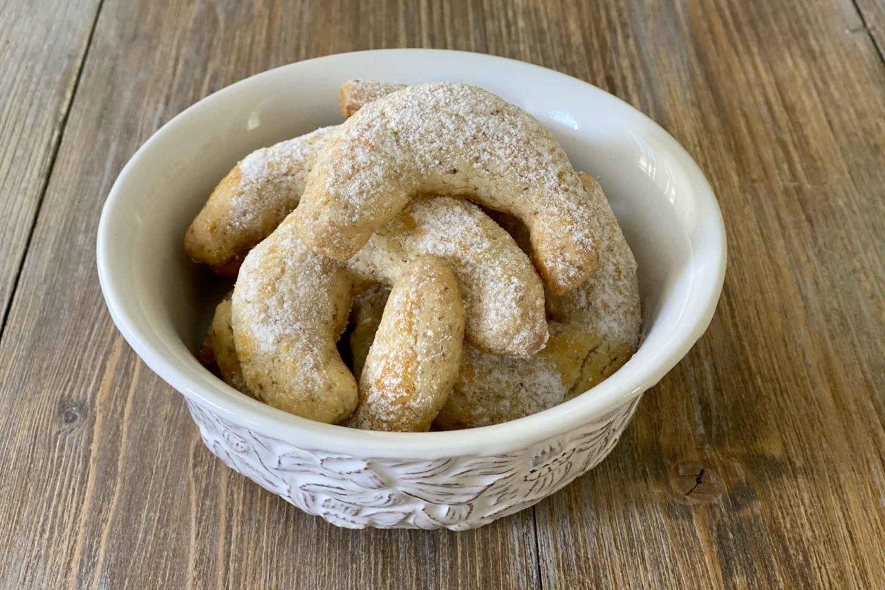 Vanillekipferl biscotti cornetti alla vaniglia