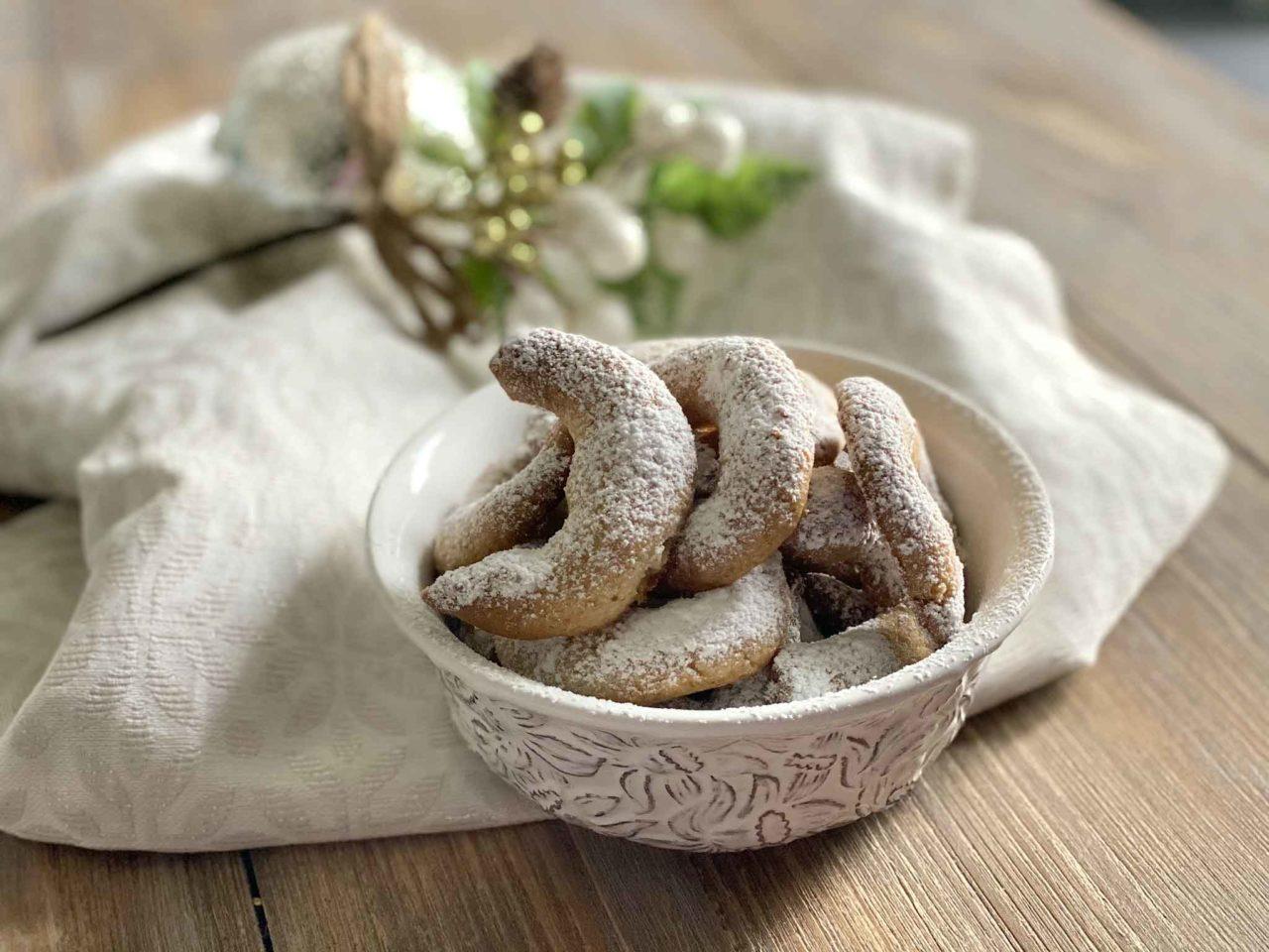 Vanillekipferl biscotti cornetti alla vaniglia a Natale