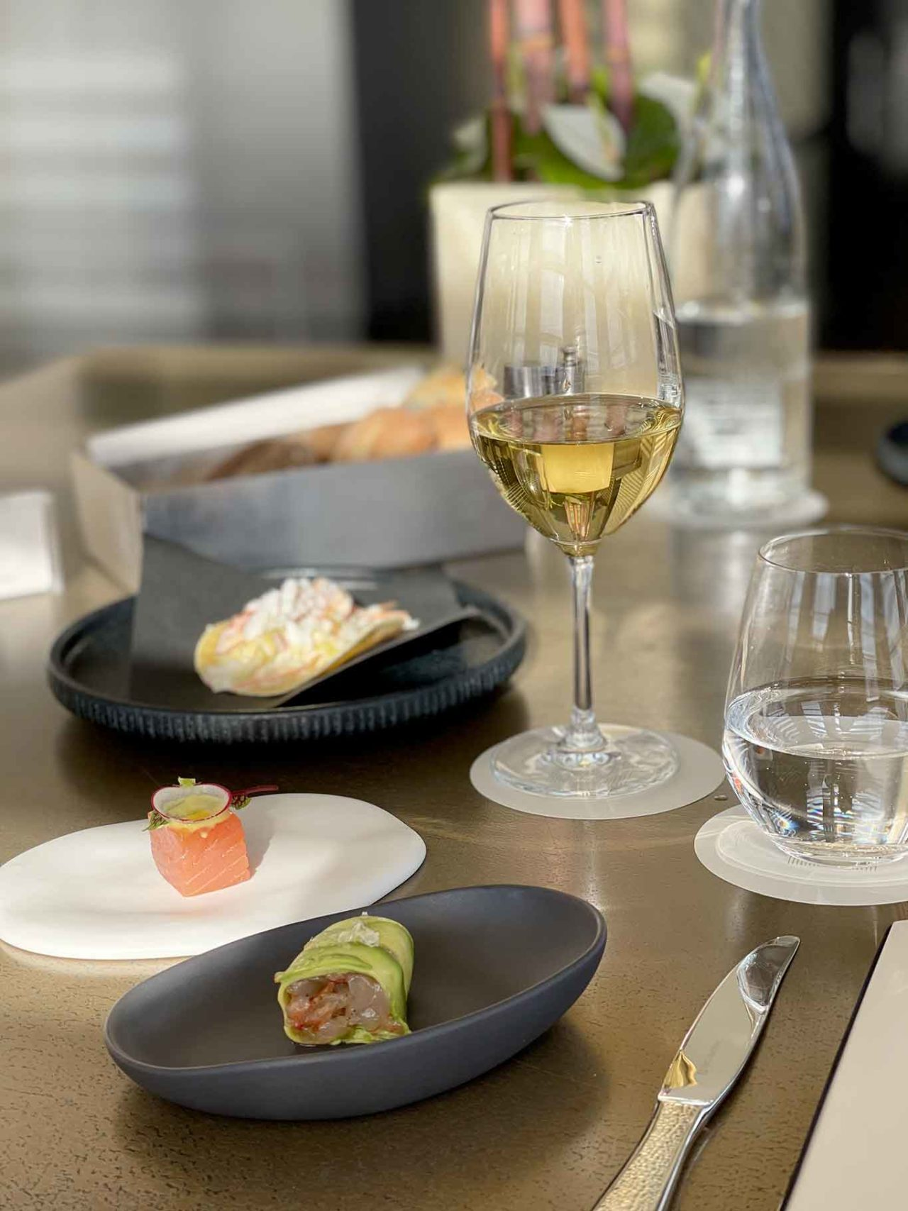 Vineria Armani Hotel Milano vini costosi e finger food
