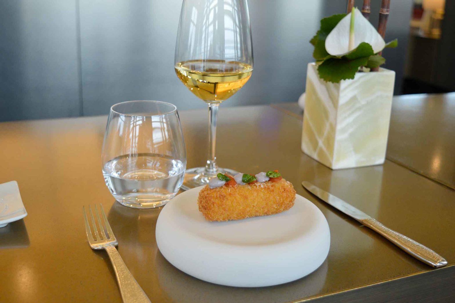 Vineria Armani Hotel Milano vini costosi e finger food