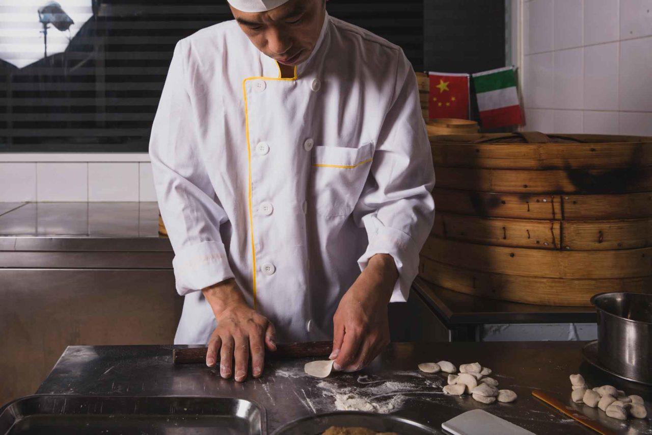 Preparare i ravioli cinesi
