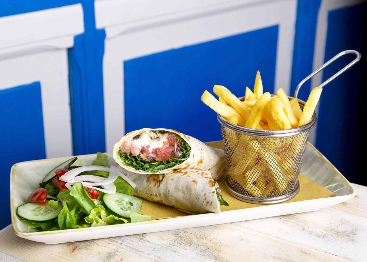 The Fisherman Burger ristorante pescheria Roma fish wrap