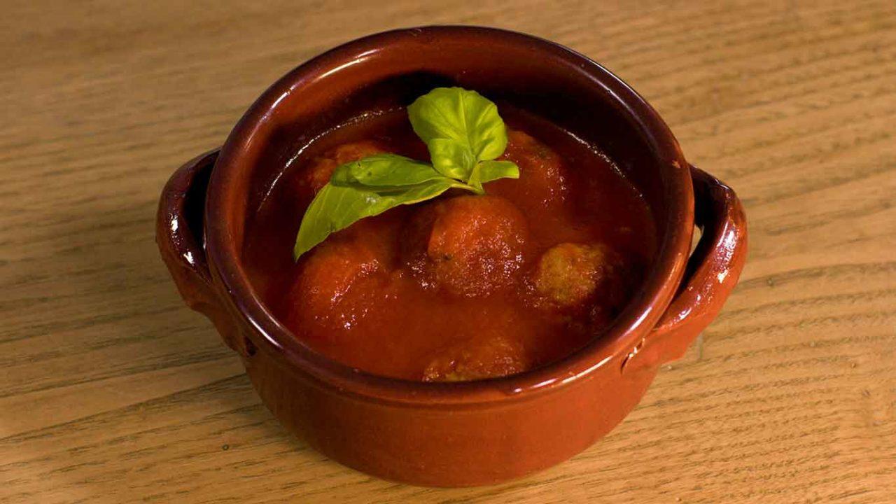 Macàra ai fornelli Puglia polpette