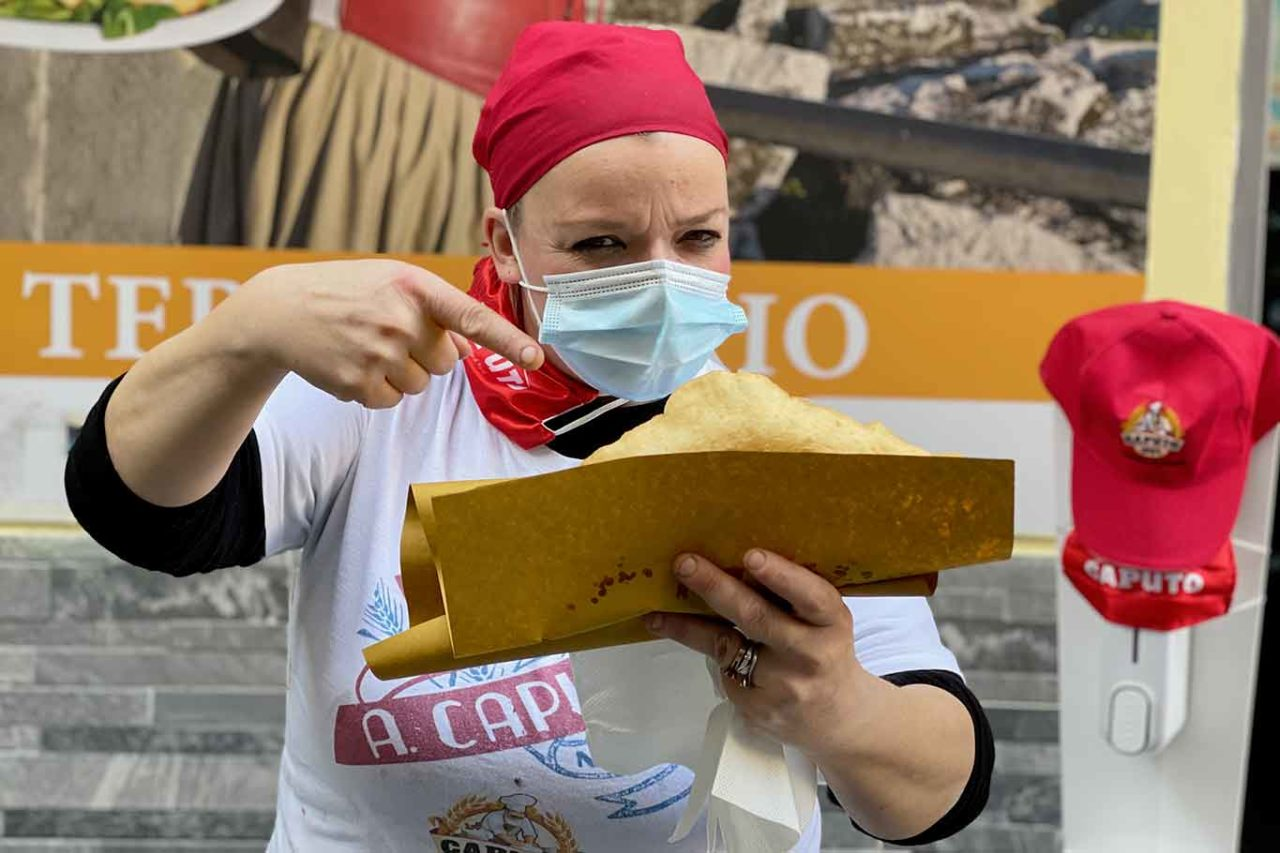pizzerie all'aperto a Napoli: Teresa Iorio