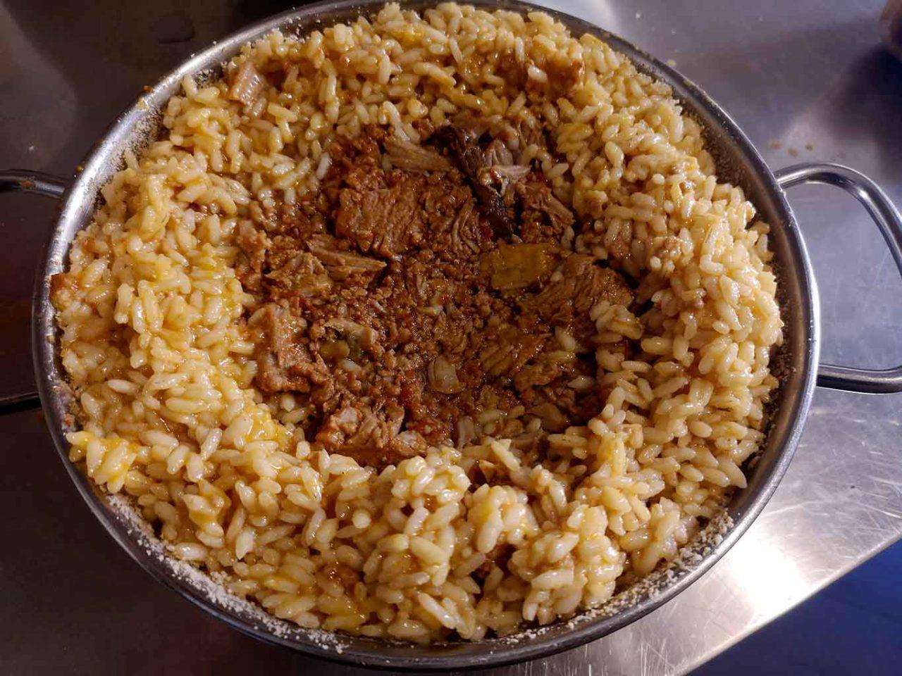 bomba di riso carne