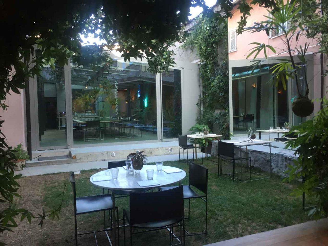 motelombroso tavoli giardino ristoranti all'aperto