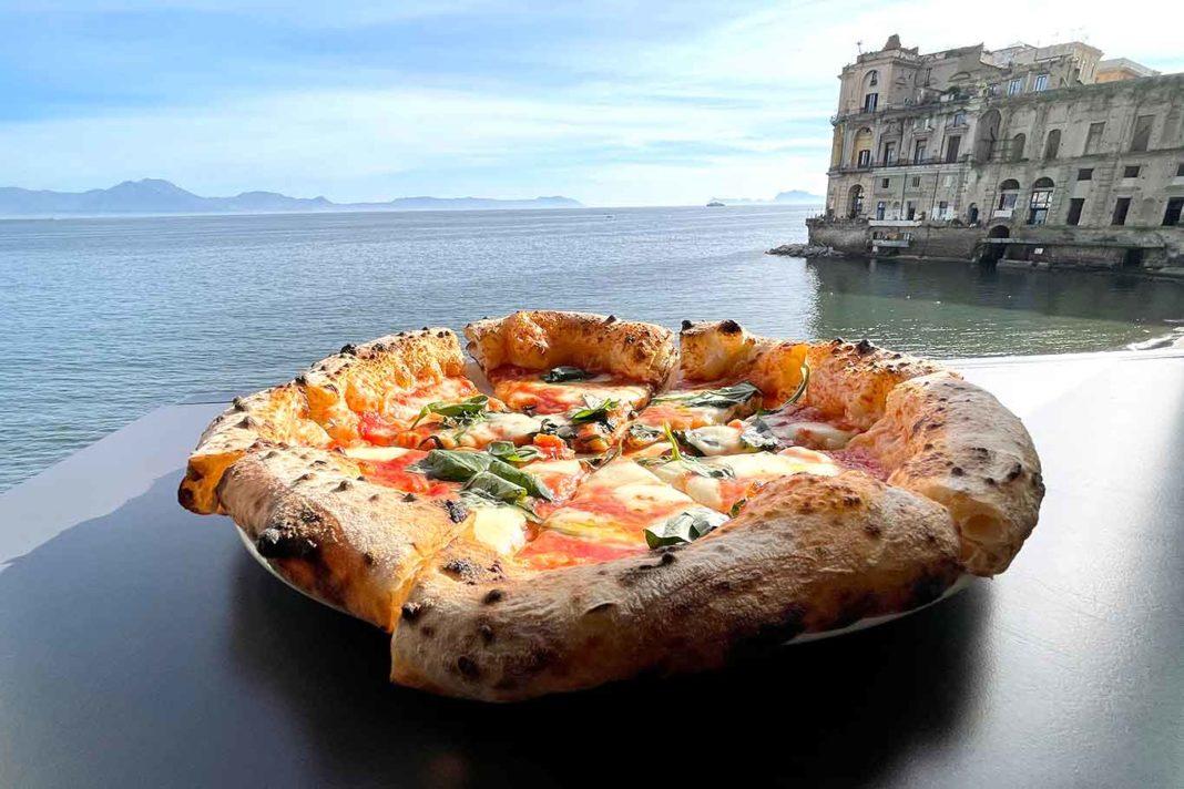 pizzerie all'aperto a Napoli