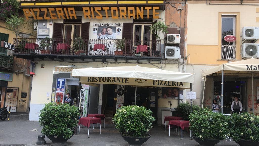 pizzerie all'aperto a Napoli: Mattozzi