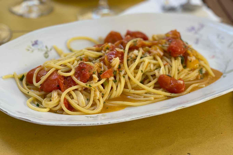 Baccalaria osteria Napoli spaghetti e baccalà