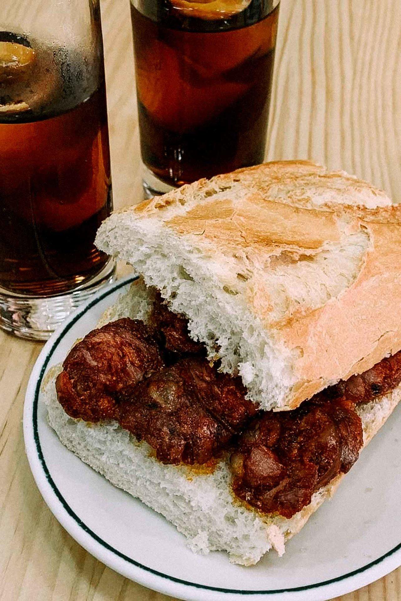 Madrid Los Caracoles panino e chorizo fritto