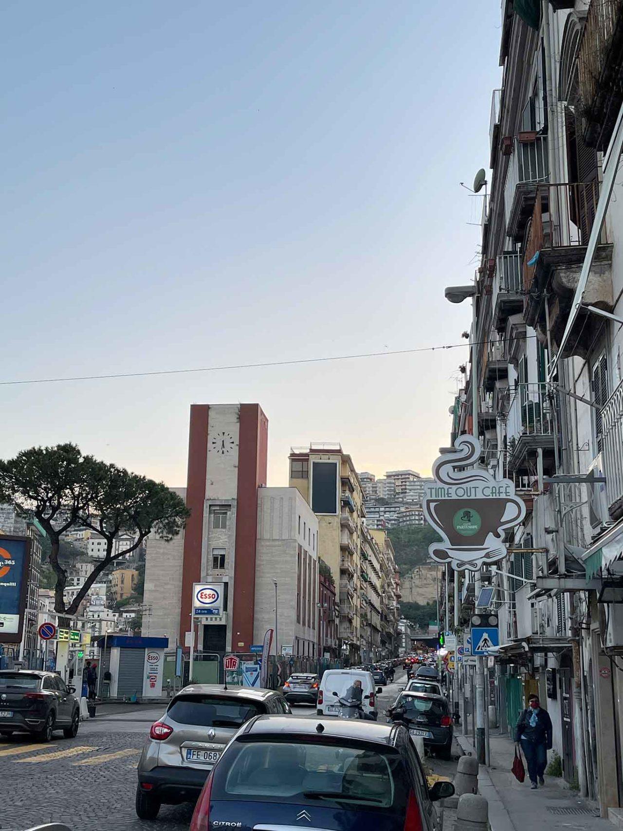 Dark Kitchen a Napoli: riviera di chiaia