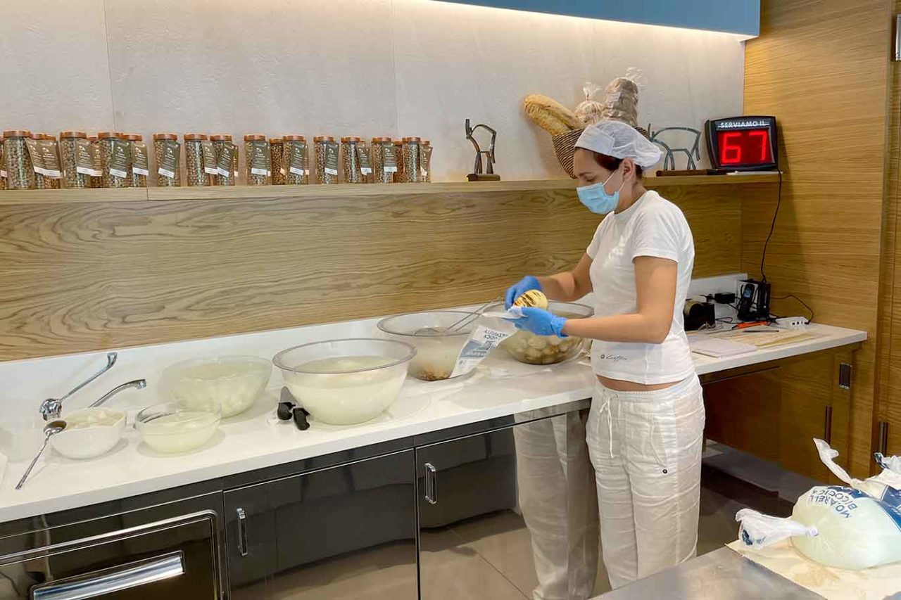 mozzarella di bufala Unica Caseificio Biologico Salerno