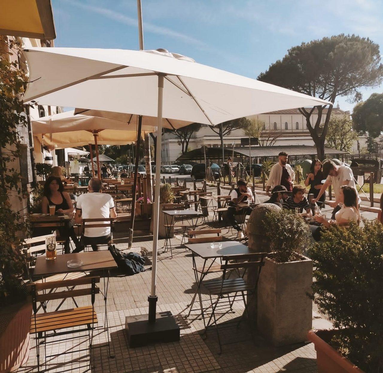 Sorso Roma aperitiva all'aperto nel dehors
