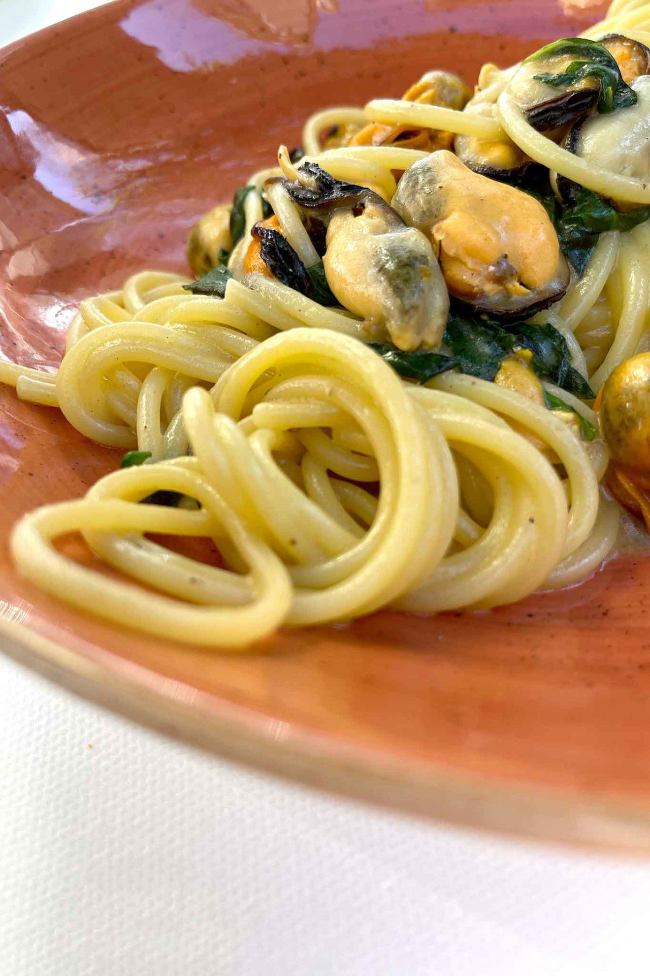 Osteria di Pescheria Salerno spaghetti cacio e cozze