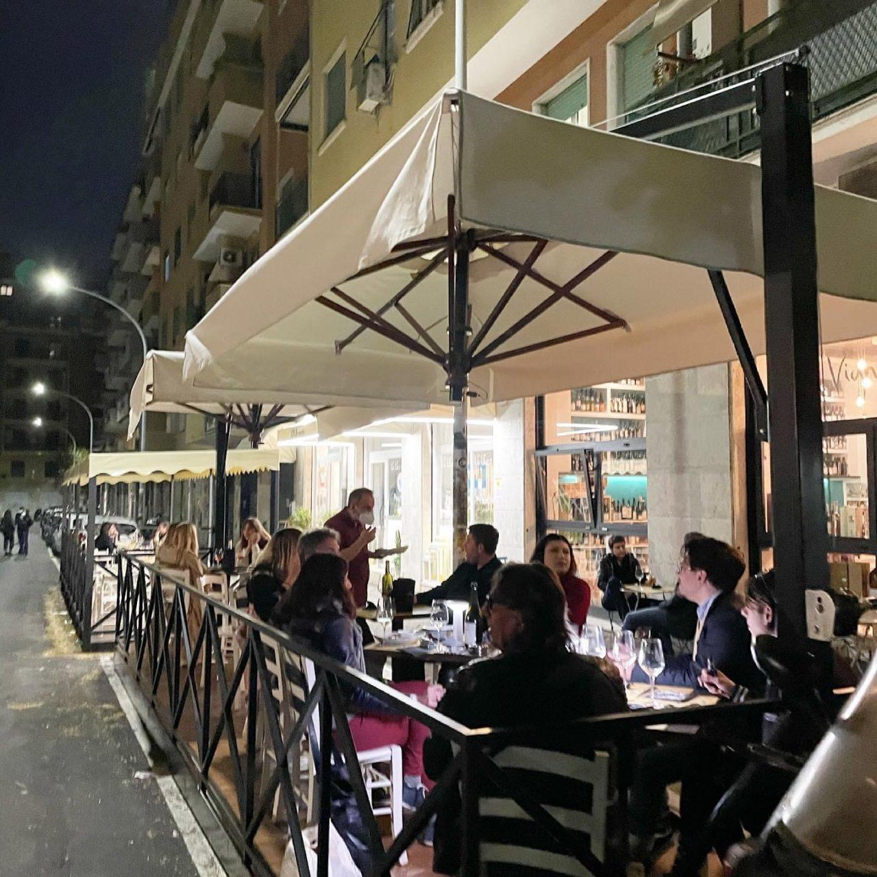 Vigneto dehors aperitivo all'aperto