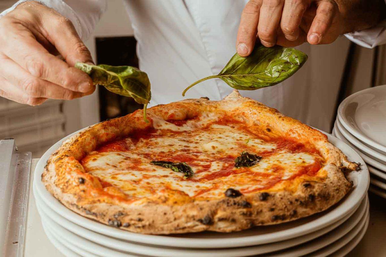 vurria preparazione pizza aloe nuove pizzerie a Milano