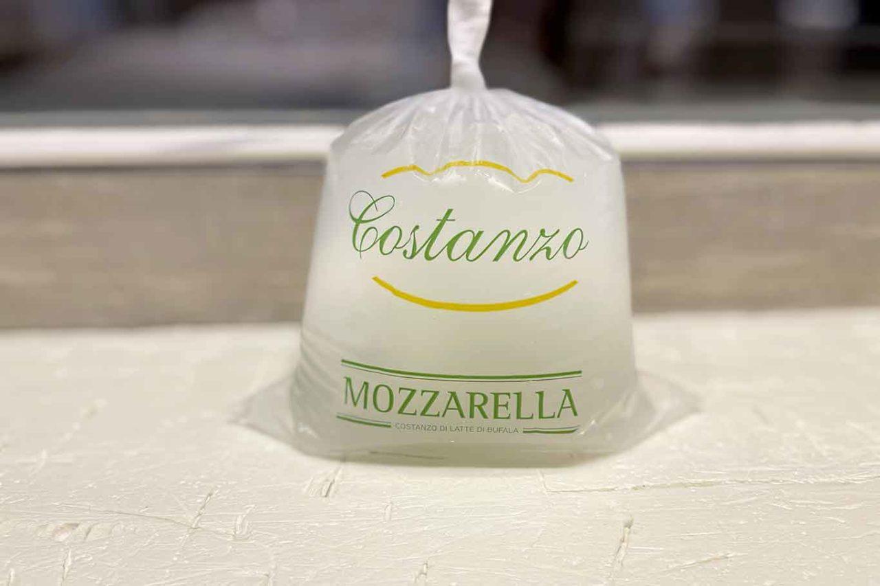 mozzarella latte di bufala caseificio Costanzo