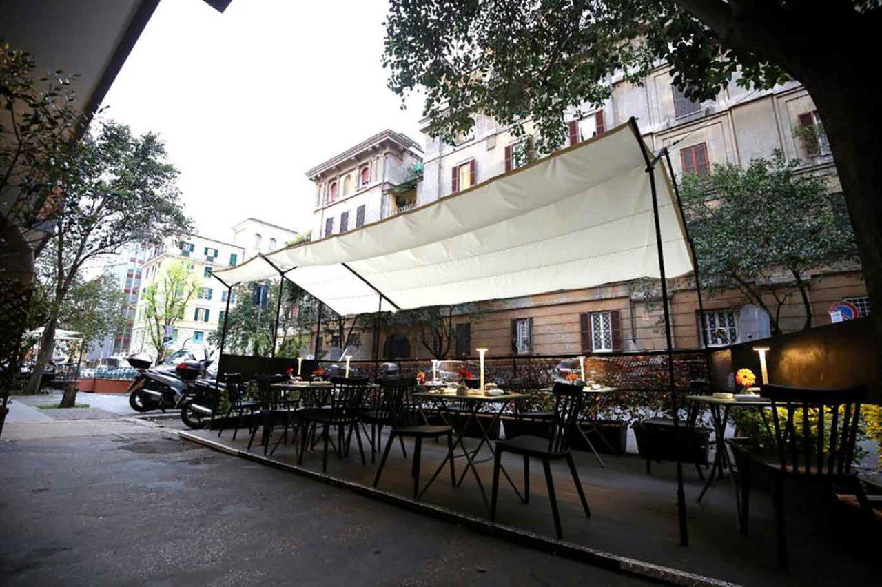 Acciuga ristorante di pesce a Roma dehors