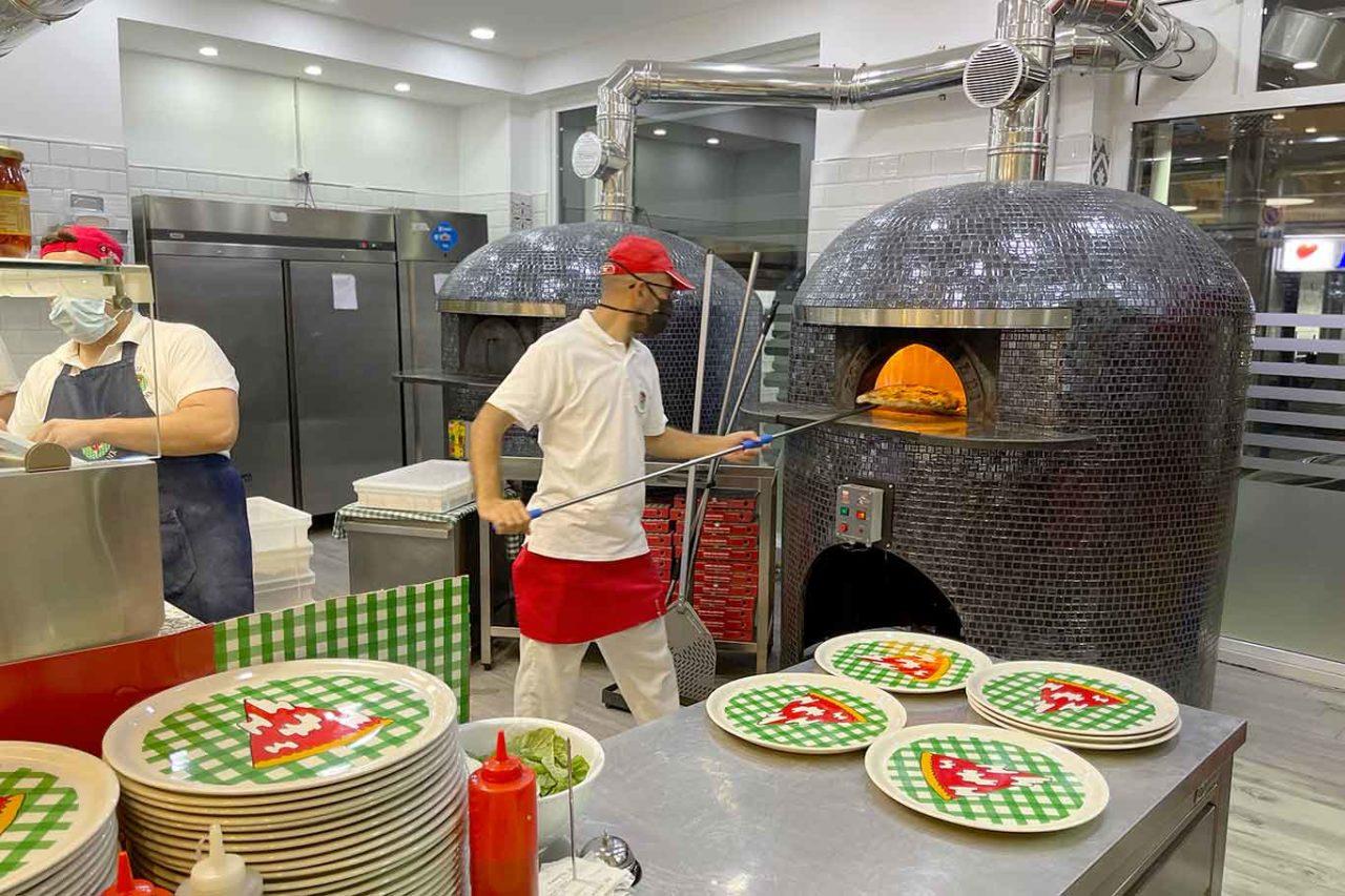 pizzeria Pizza Napoletana Calata Capodichino Napoli forni