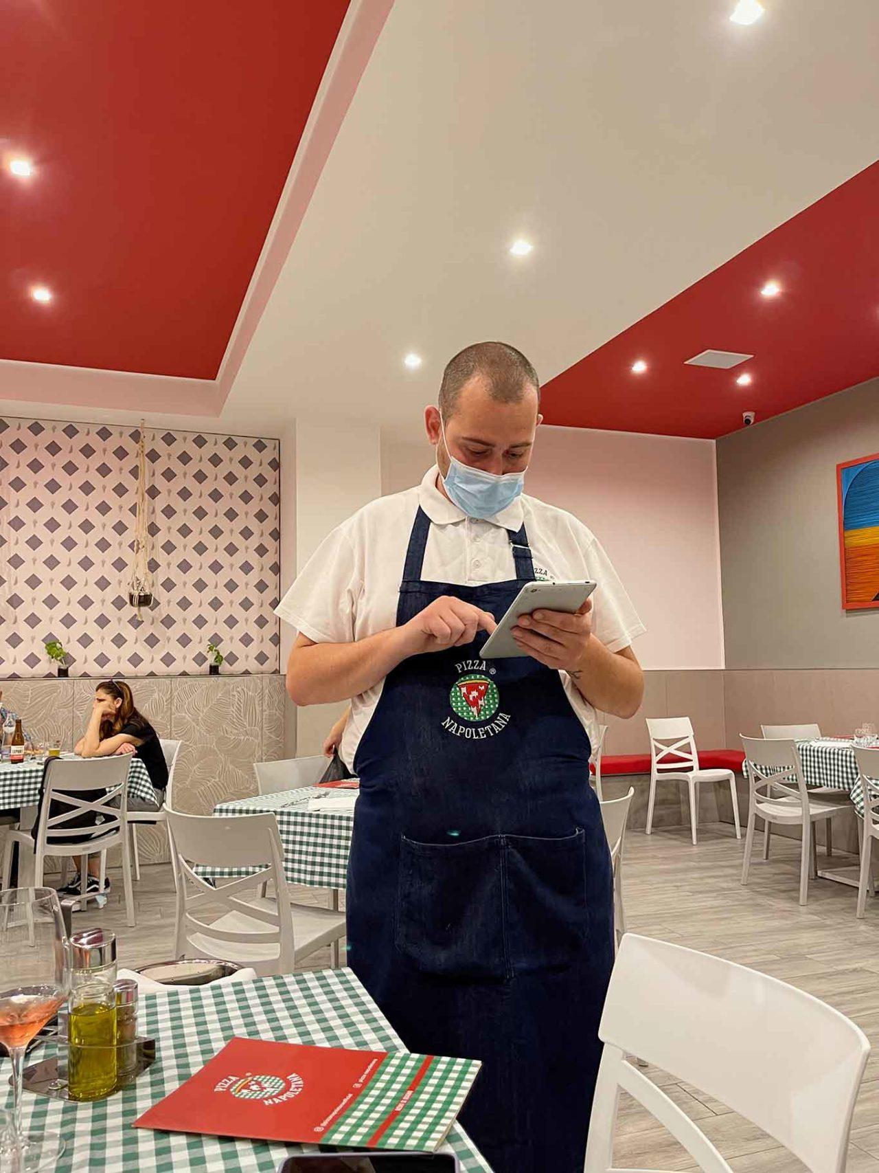 pizzeria Pizza Napoletana Calata Capodichino Napoli sala