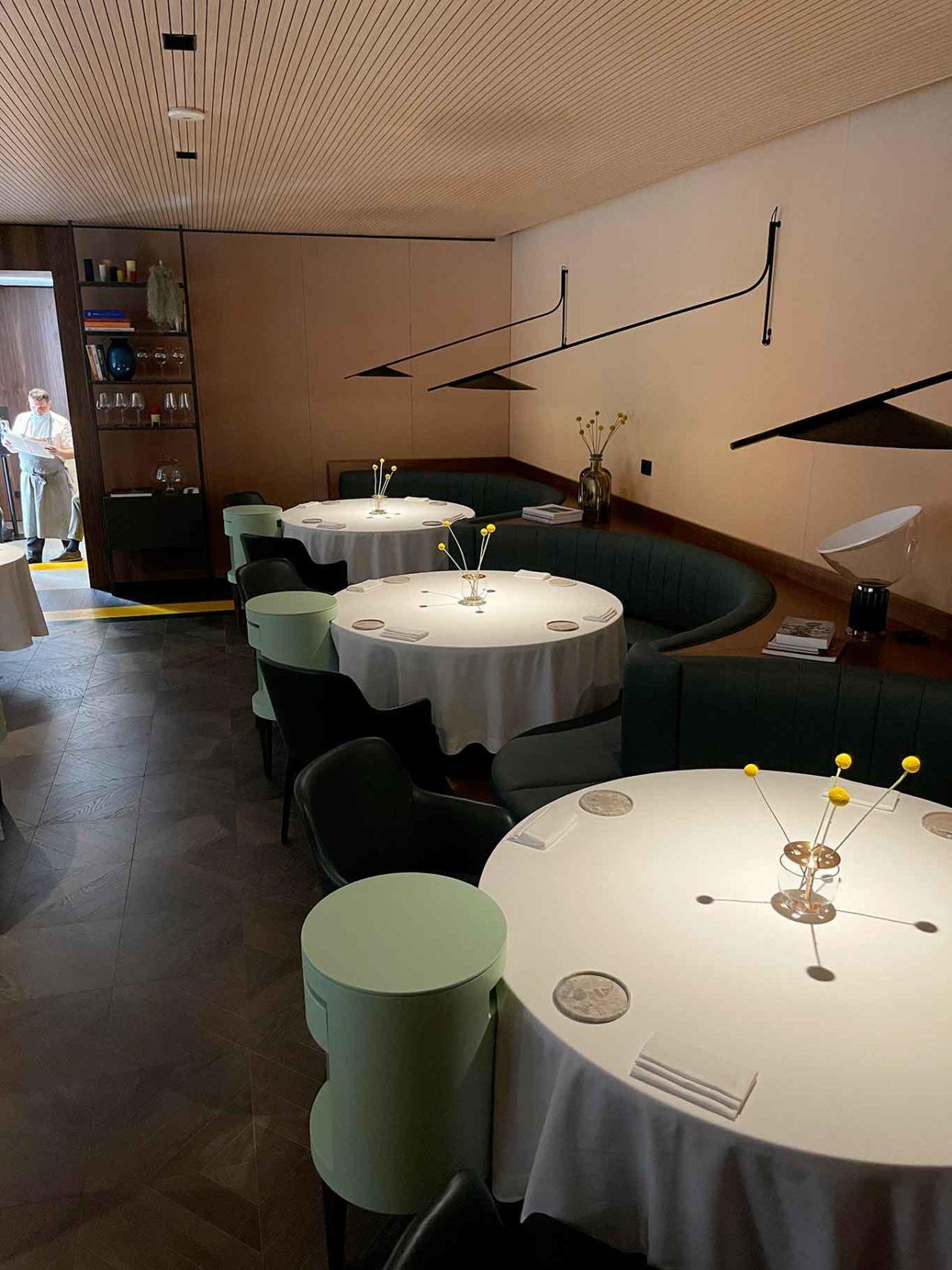 nuovo ristorante Aria Napoli tavoli