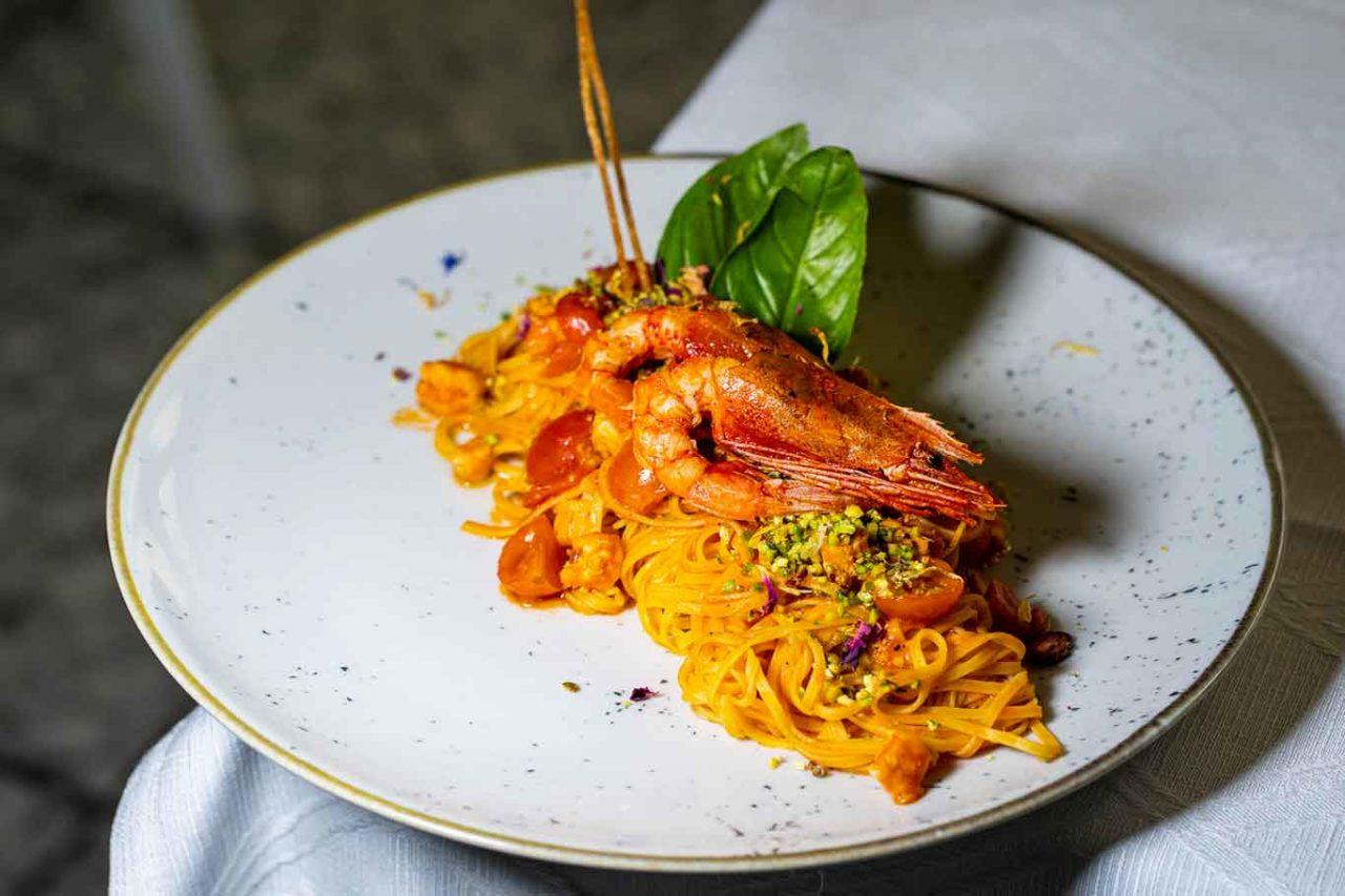 tagliolini con scampi ristoranti mare Latina Mergellina