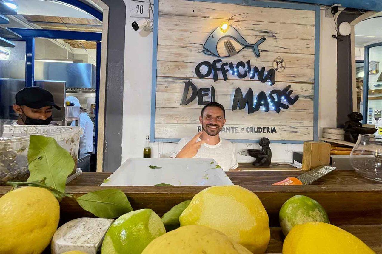 Antonio Esposito chef Officina del Mare ristorante Napoli Borgo Marinari