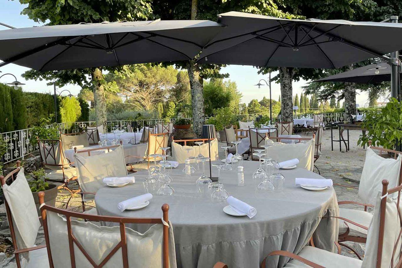 I Capricci di Merion ristorante Umbria tavoli all'aperto