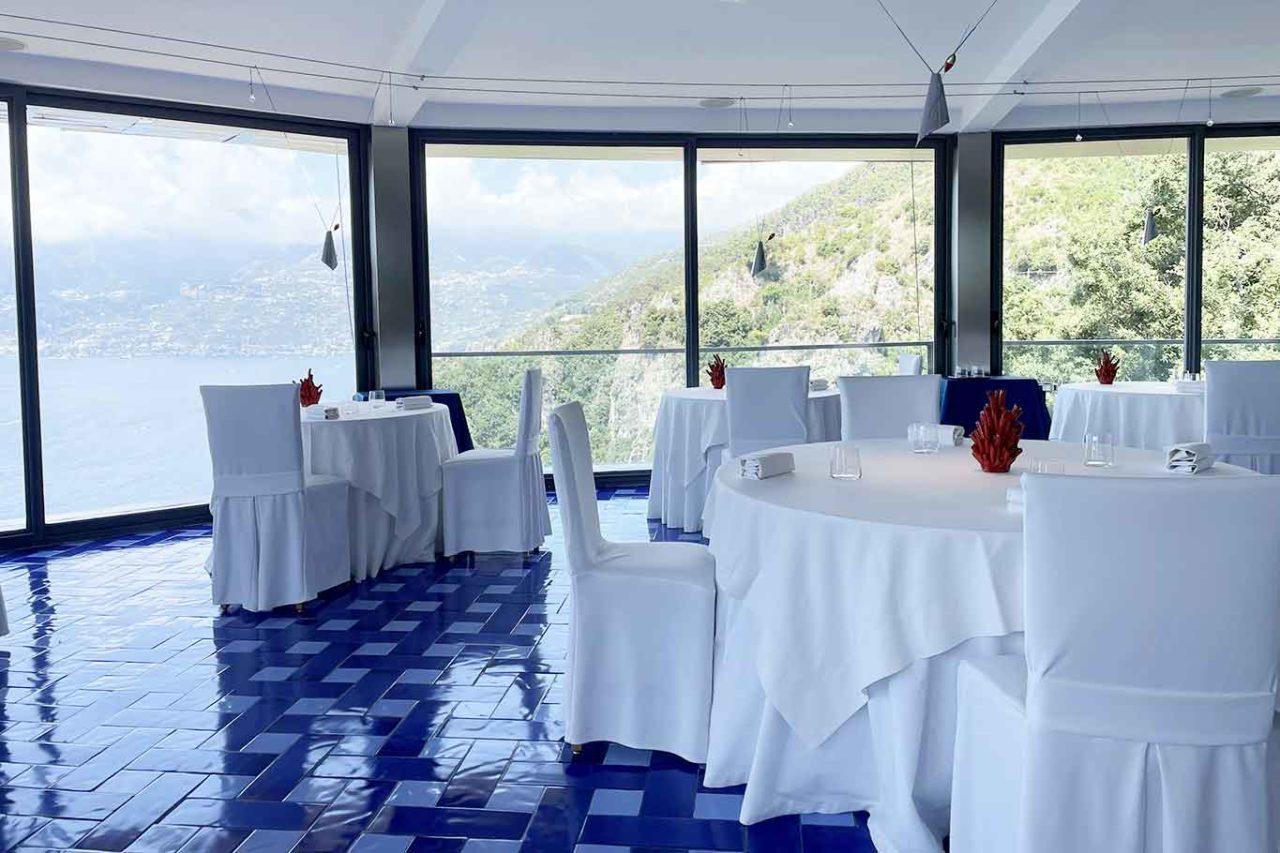 Il Faro di Capo d'Orso ristorante Costiera Amalfitana sala