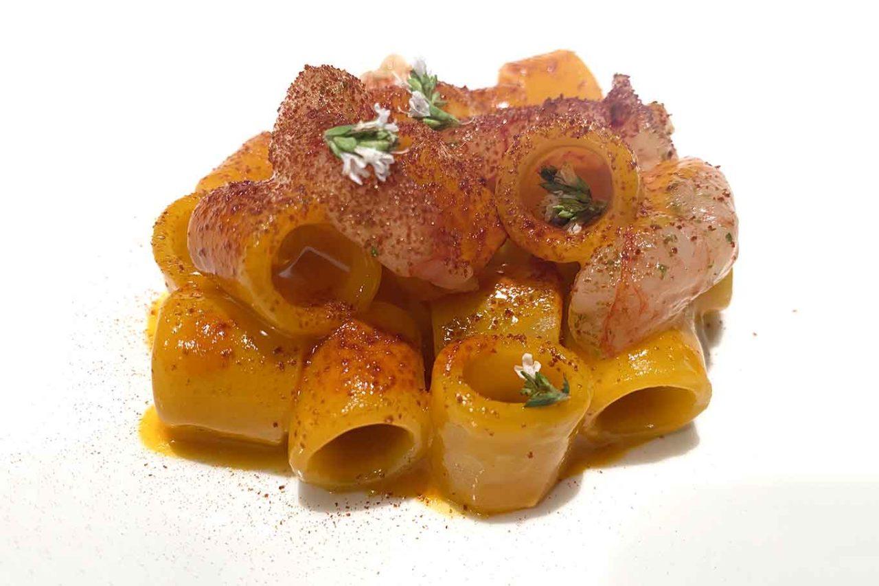 Osteria Arbustico Paestum tubettone con peperoni arrosto e gamberi rossi