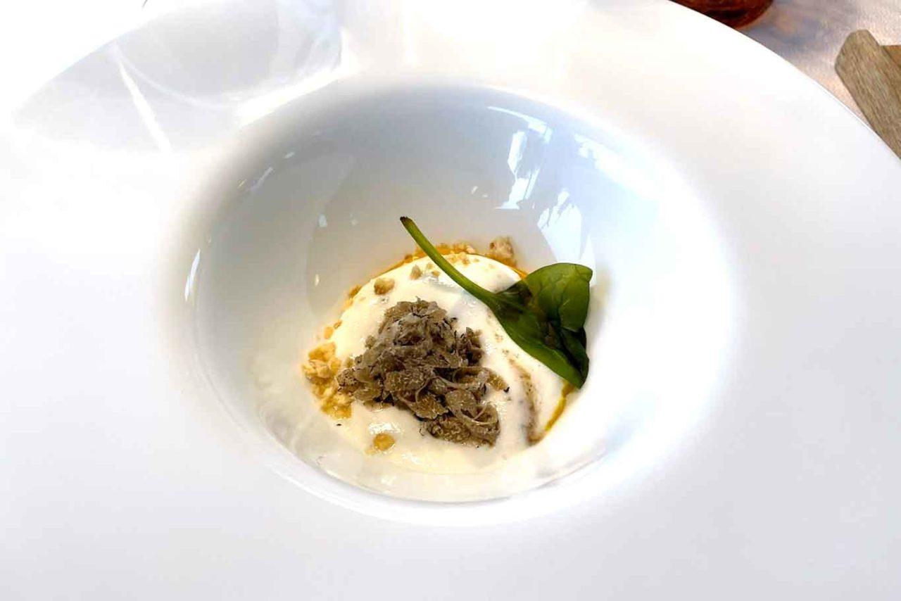 Tenuta Borgo Santa Cecilia Gubbio Umbria uovo e tartufo