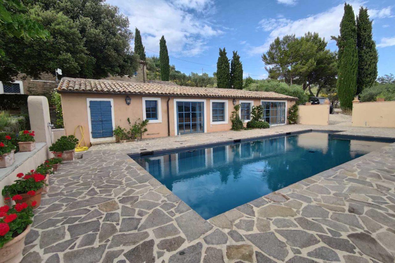 wine resort La Ghirlanda casale con piscina