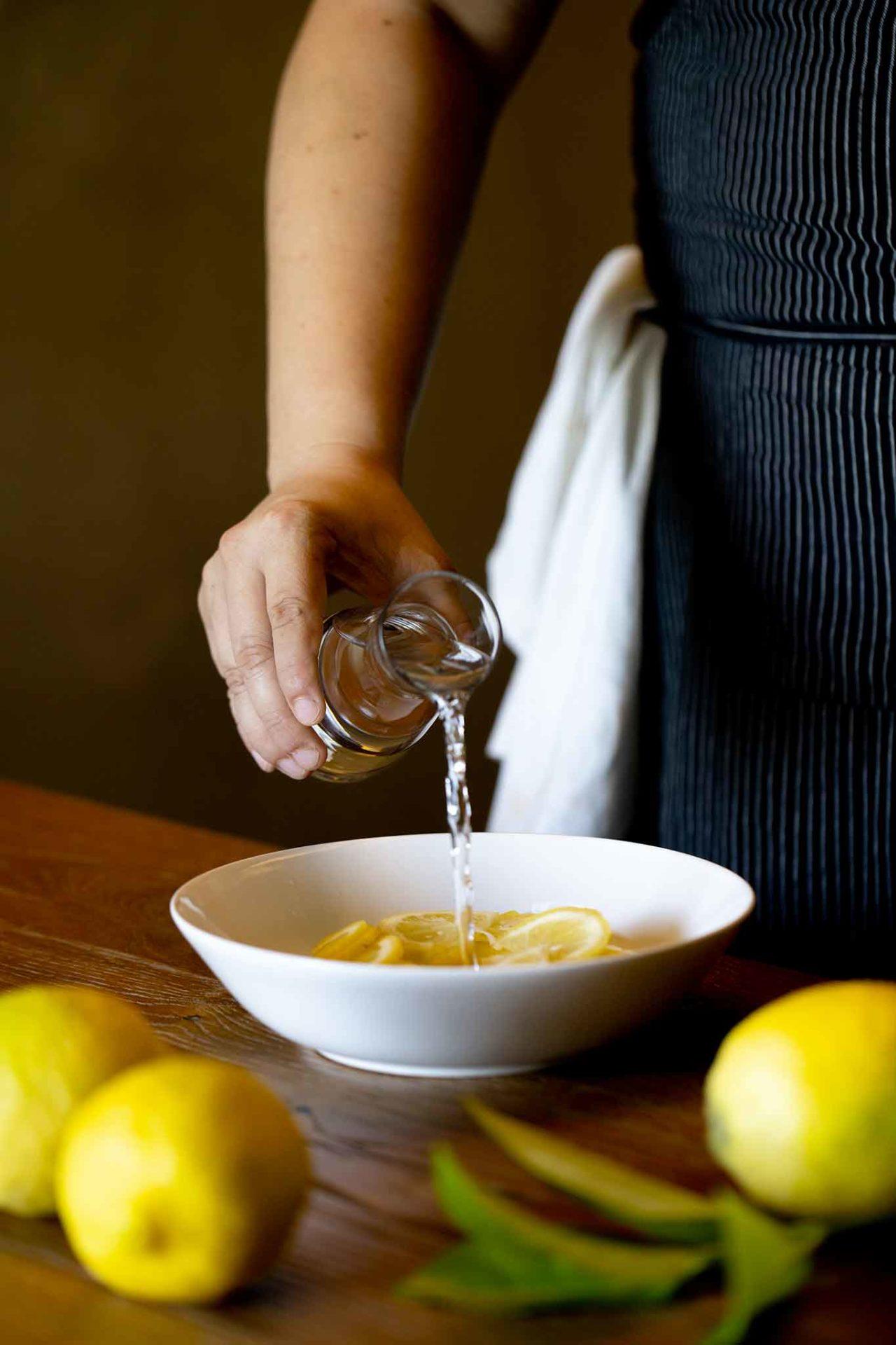 marmellata di limoni acqua sulle fette