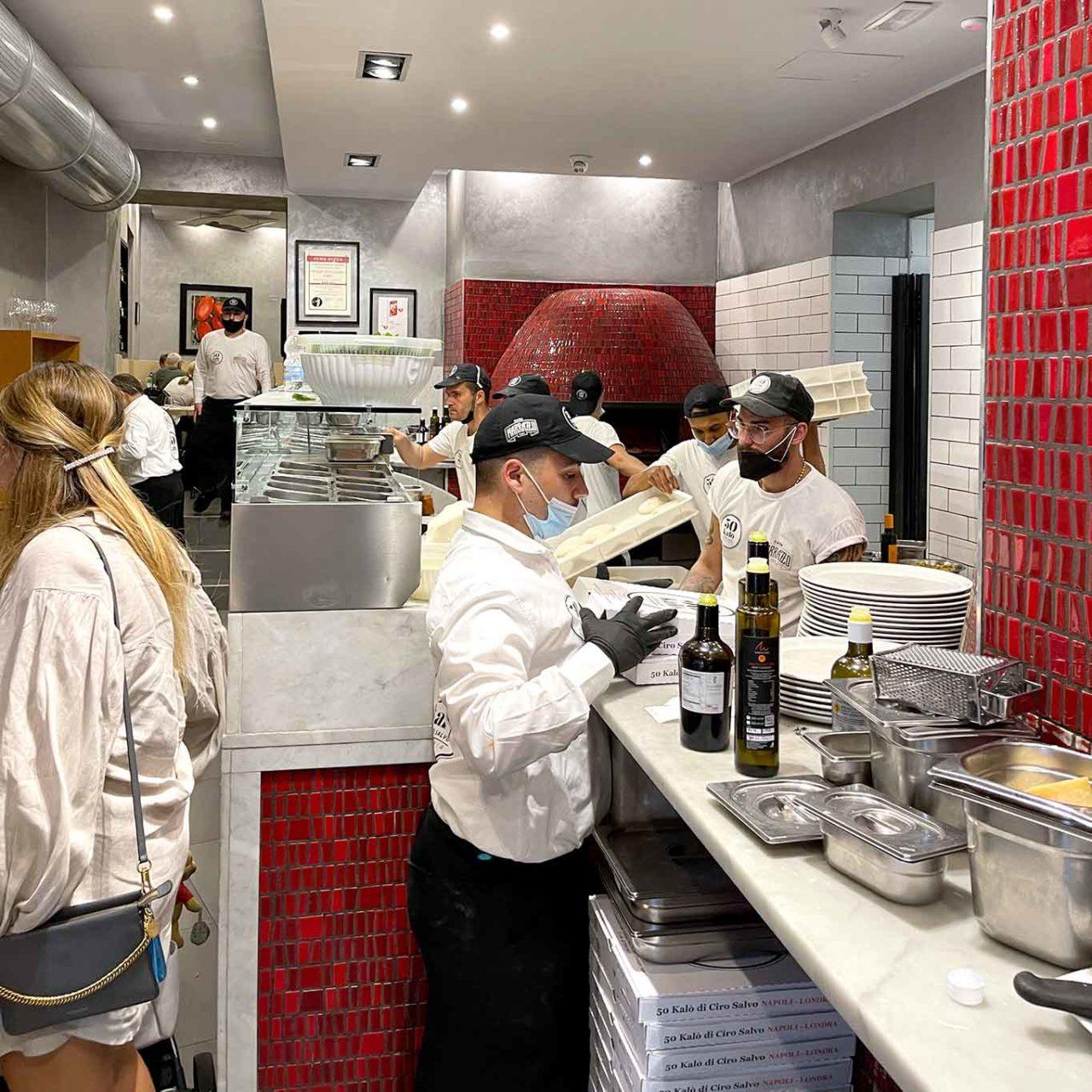 pizzeria 50 Kalò di Ciro Salvo bancone