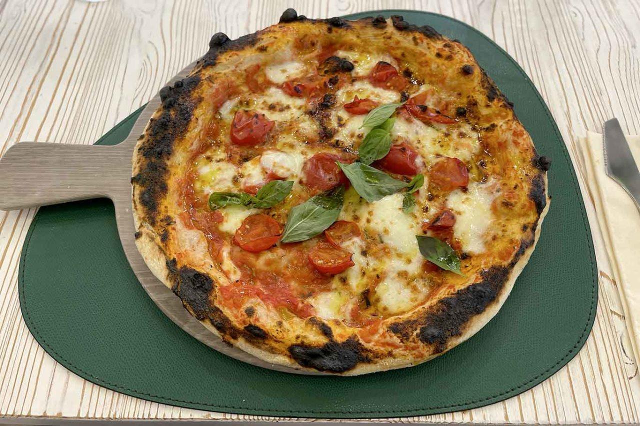 pizzeria Ciro Cascella Napoli pizza margherita in teglia