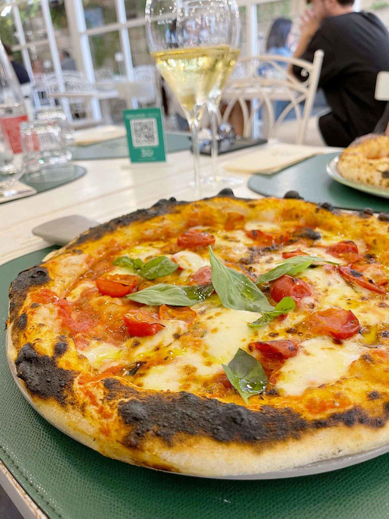 pizzeria Ciro Cascella Napoli pizza margherita teglia