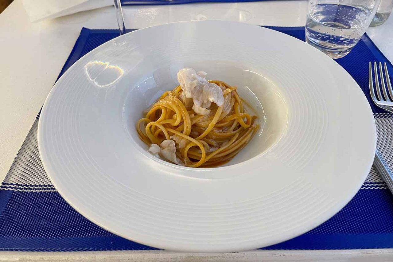 ristorante la Scialuppa da Salvatore a Fregene linguine con caciucco di tracina
