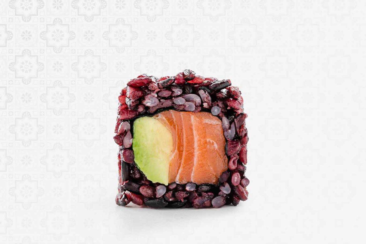 Uramaki armonico salmone avocado black