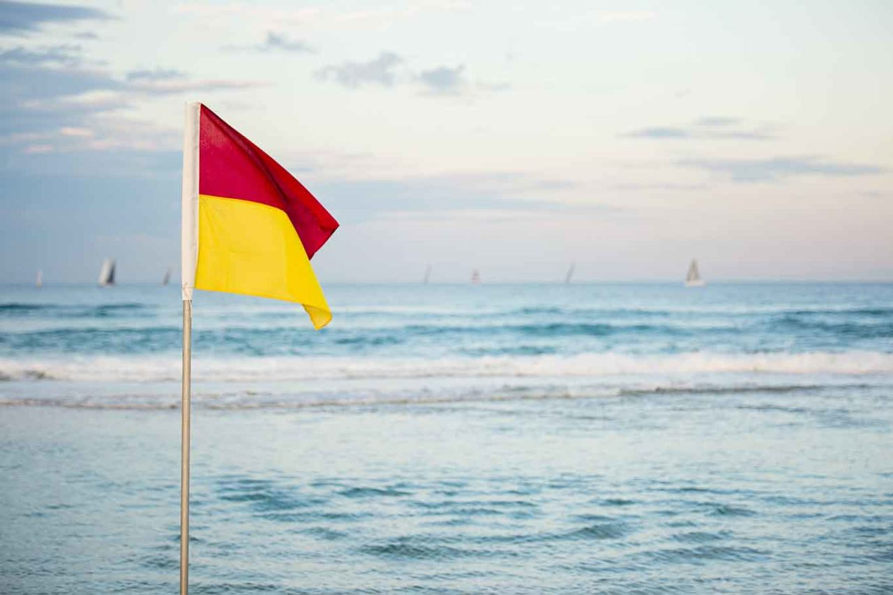 bandiera e zona gialla a Ferragosto