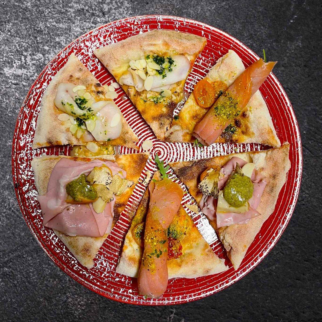 degustazione alla pizzeria Caveau a Ispica in Sicilia celebrata da Selvaggia Lucarelli