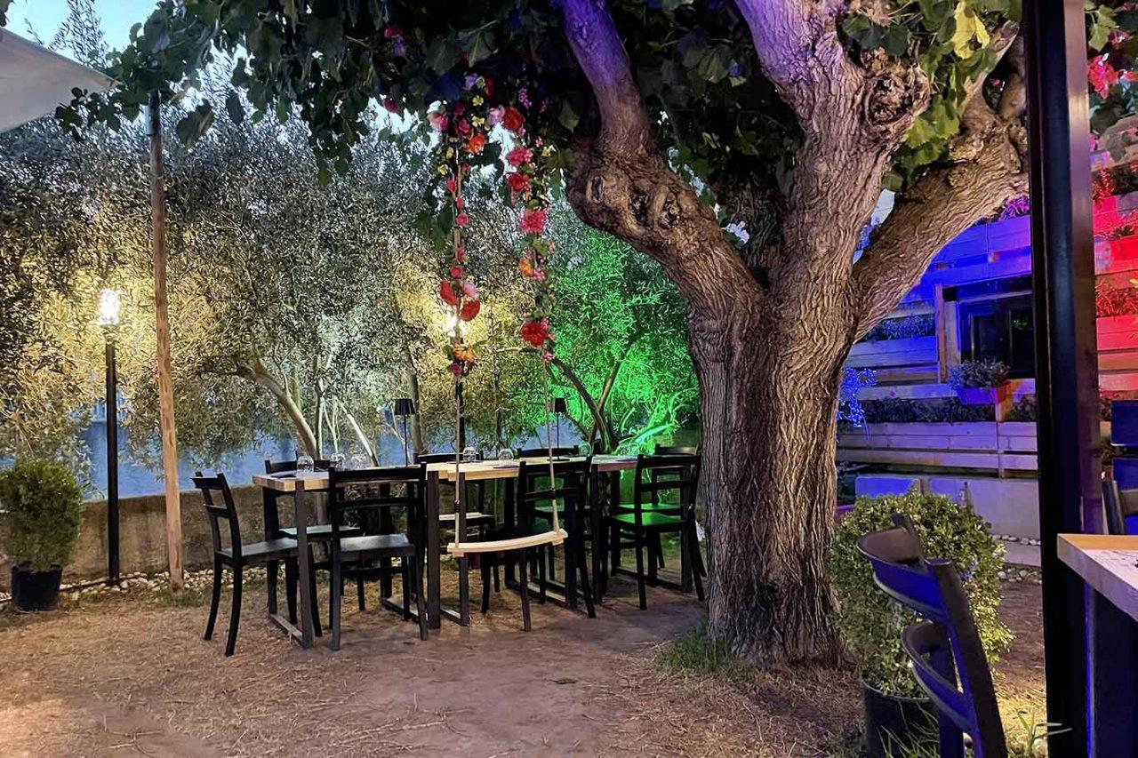 pizzeria Re Denari Salerno: giardino