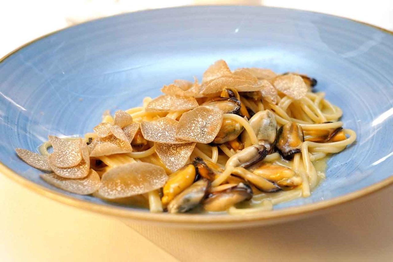 ristorante Il Veliero Acciaroli Cilento cozze tartufo cacio